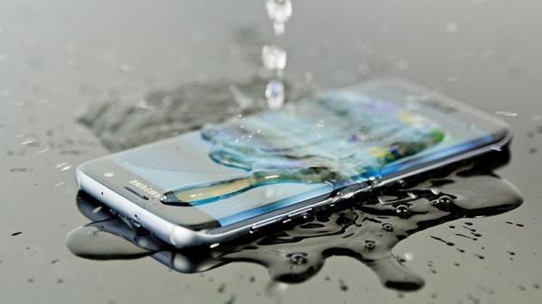 best_waterproof_phones_thumb800